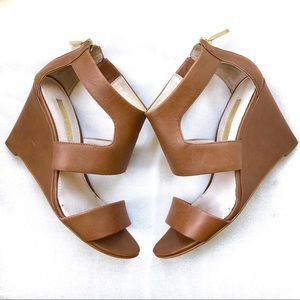 Louise et Cie Tan Nude Leather Cutout Wedges